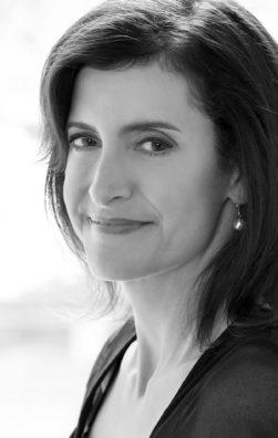 Laura J. Snyder